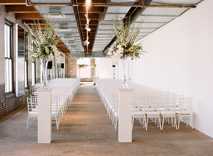 contemporary-arts-center-new-orleans-modern-orchid-wedding-inspiration05