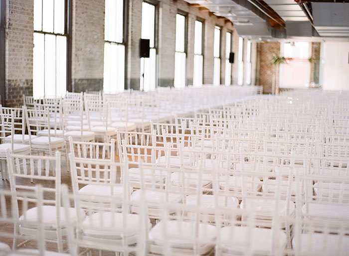 contemporary-arts-center-new-orleans-modern-orchid-wedding-inspiration06