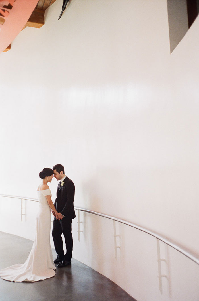 contemporary-arts-center-new-orleans-modern-orchid-wedding-inspiration22