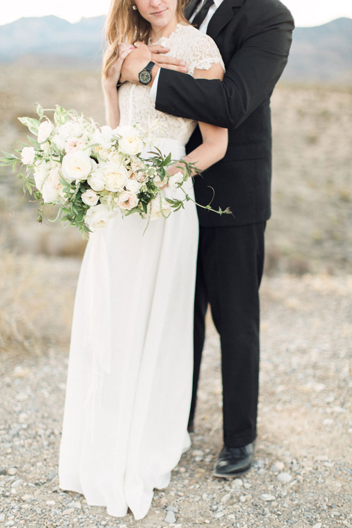 desert-anniversary-white-black-lace-organic-romantic-wedding-inspiration19