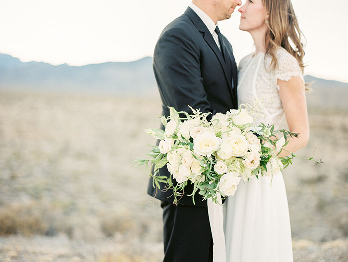 desert-anniversary-white-black-lace-organic-romantic-wedding-inspiration25