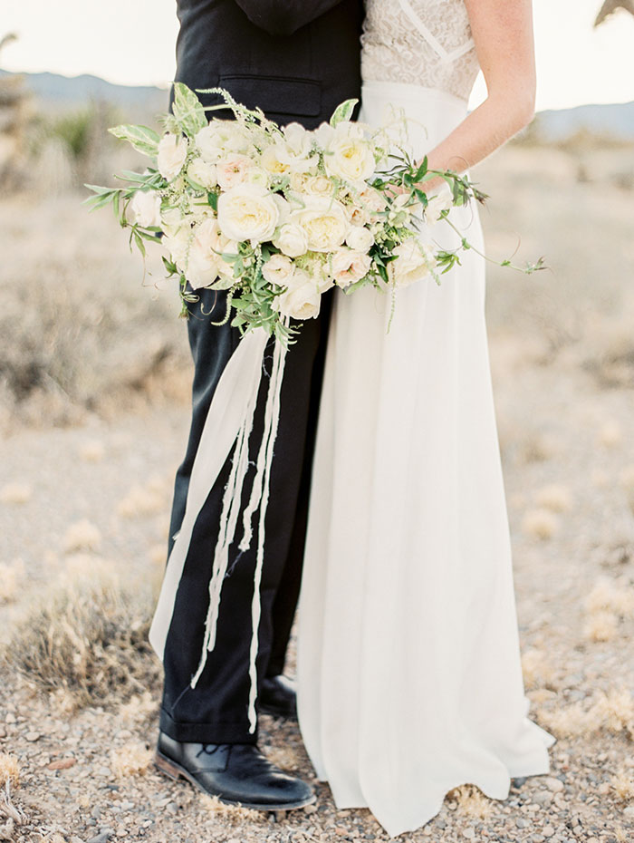 desert-anniversary-white-black-lace-organic-romantic-wedding-inspiration31