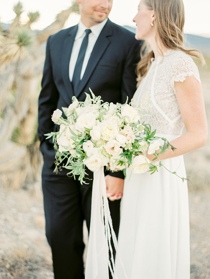 desert-anniversary-white-black-lace-organic-romantic-wedding-inspiration34