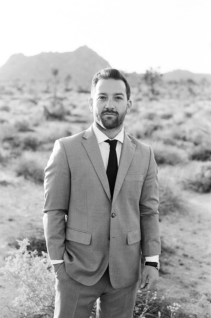 joshua-tree-desert-modern-boho-engagment-session01
