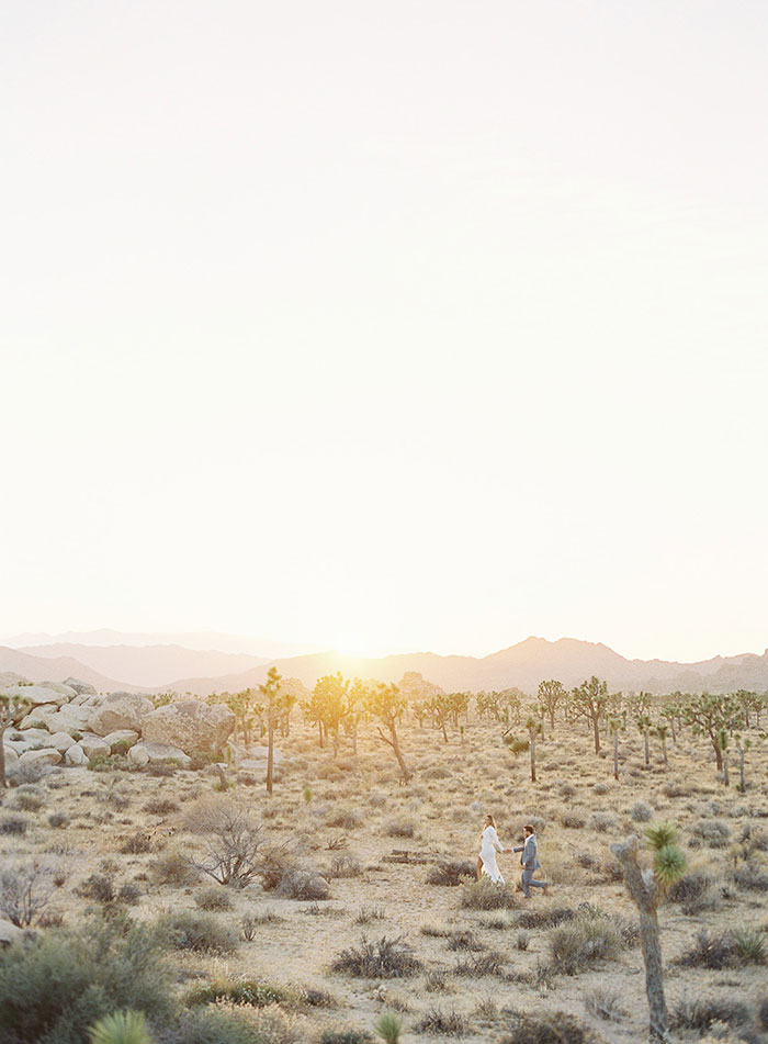 joshua-tree-desert-modern-boho-engagment-session02