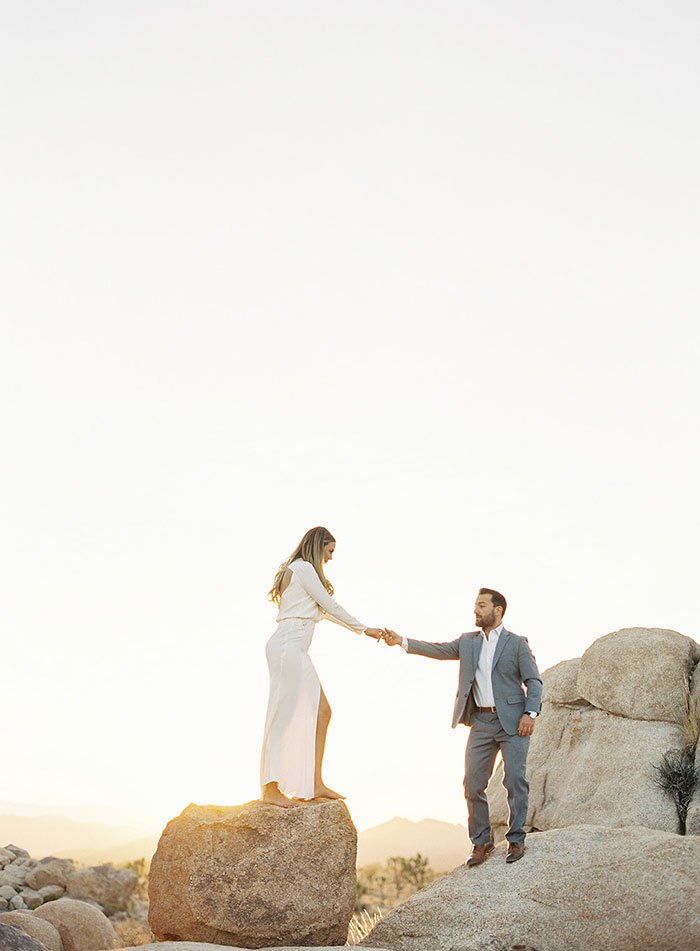 joshua-tree-desert-modern-boho-engagment-session03
