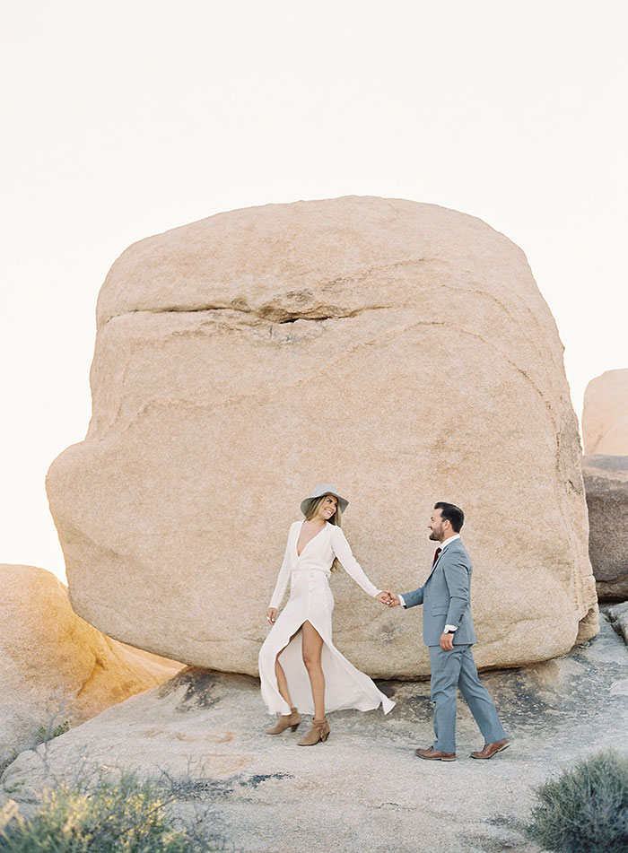 joshua-tree-desert-modern-boho-engagment-session16