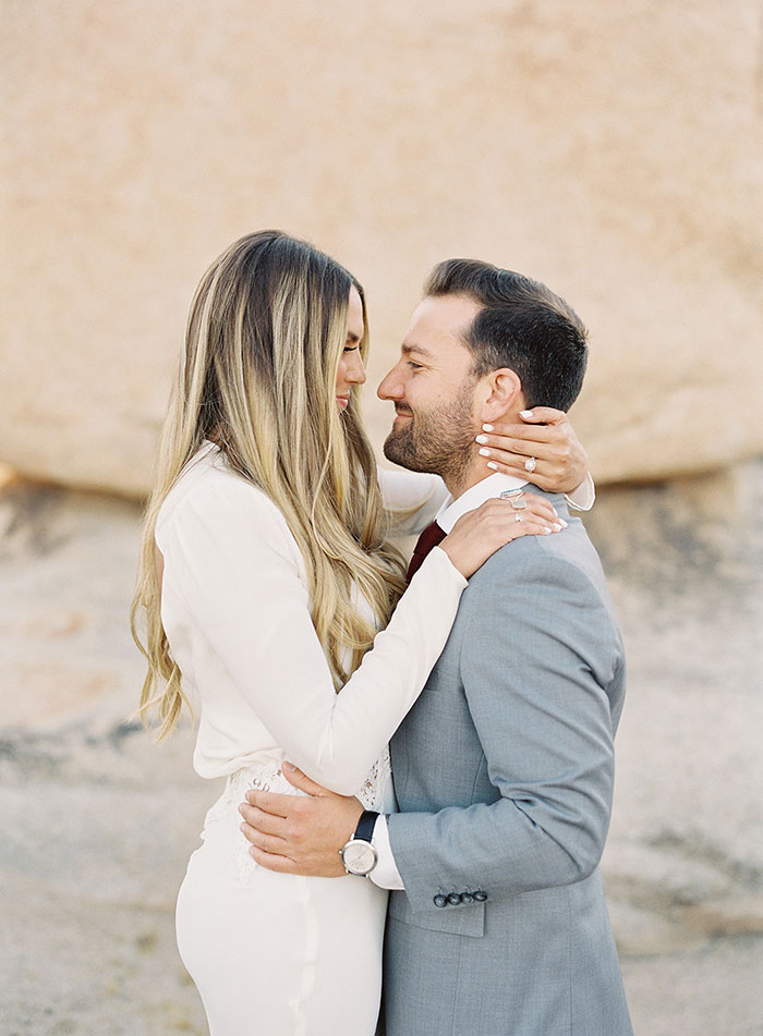 joshua-tree-desert-modern-boho-engagment-session17