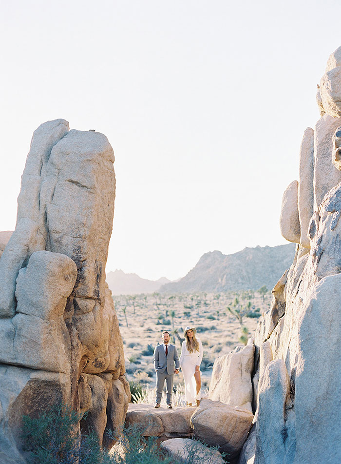 joshua-tree-desert-modern-boho-engagment-session25