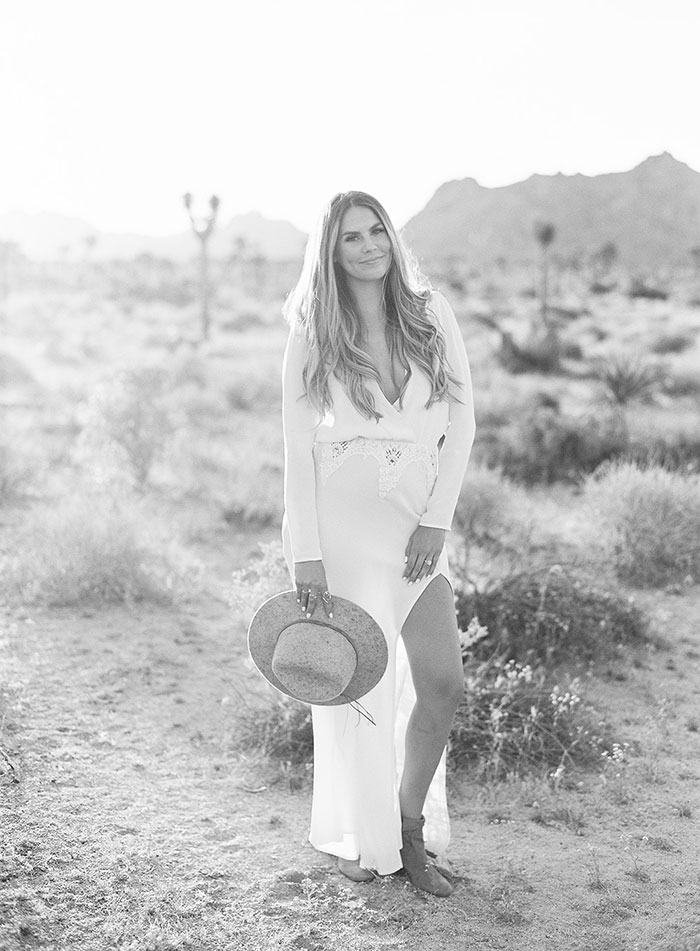 joshua-tree-desert-modern-boho-engagment-session27