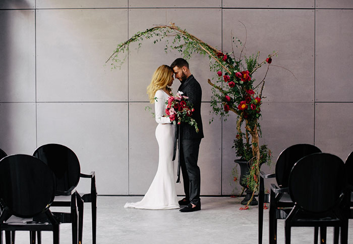 moody-rich-red-winter-contemporary-wedding-inspiration13