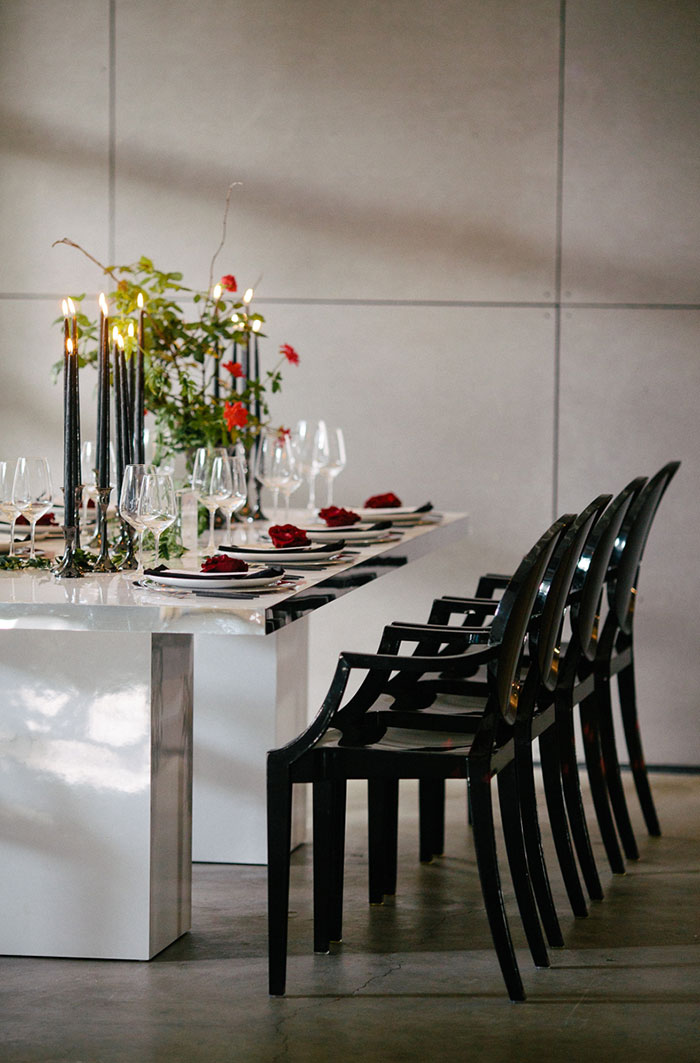 moody-rich-red-winter-contemporary-wedding-inspiration15