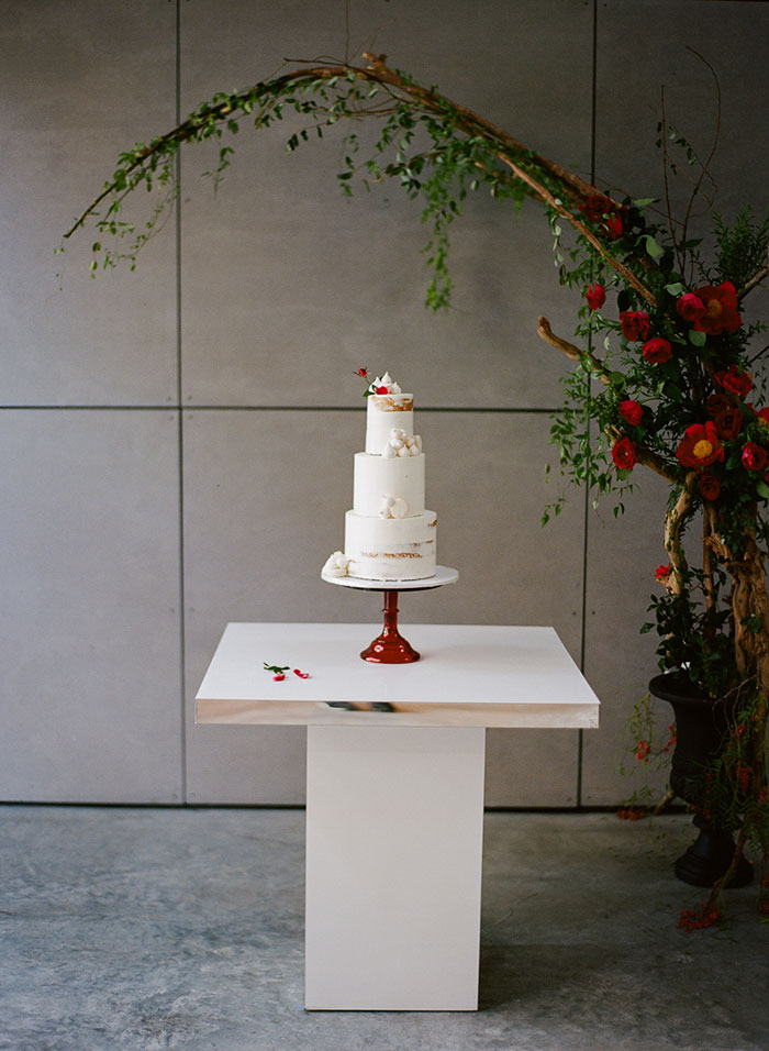 moody-rich-red-winter-contemporary-wedding-inspiration36