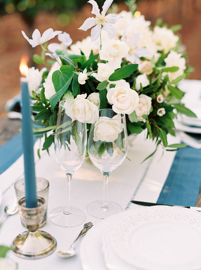 northern-california-blue-organic-linen-calligraphy-vineyard-inspiration-shoot12