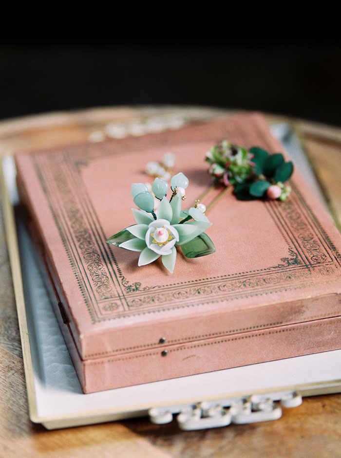 old-world-asian-jade-moody-romantic-vintage-wedding-inspiration01
