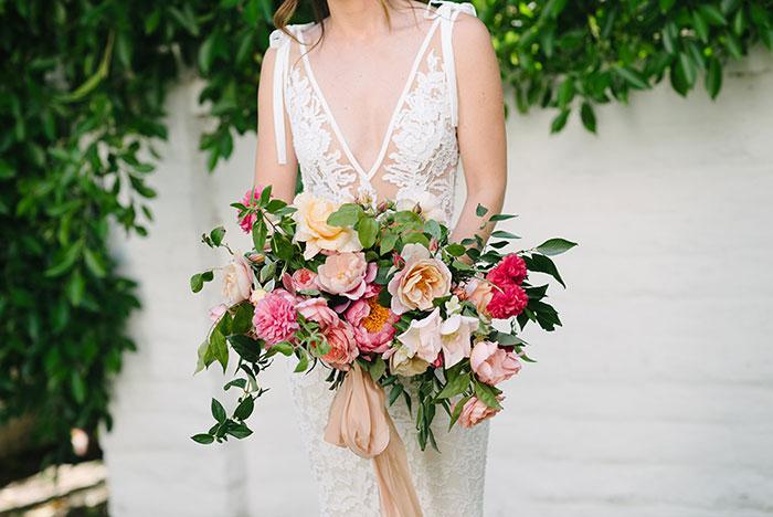 parker-palm-springs-modern-glam-geometric-pink-wedding-inspiration32