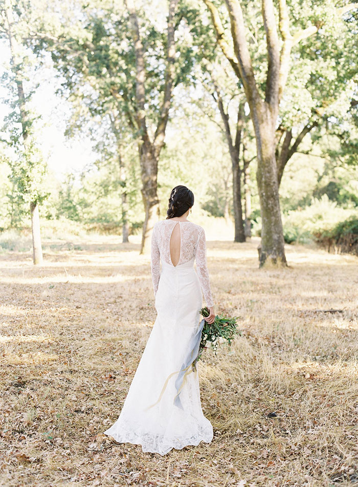 romantic-sonoma-sunset-inspiration-ashy-coral-purple-wedding-california17