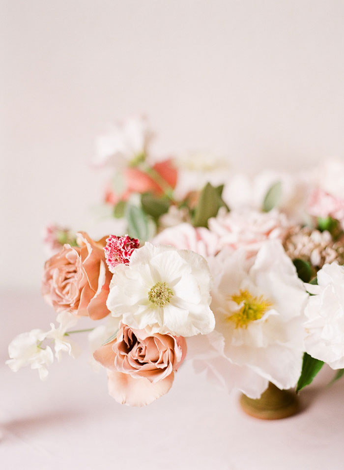 valentines-day-vintage-pink-floral-wedding-inspiration25