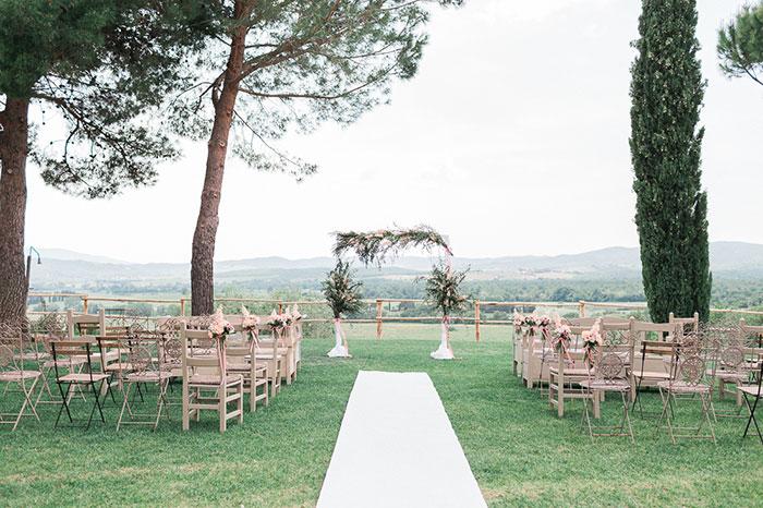conti-san-bonifacio-tuscany-destination-coral-pink-magenta-wedding-inspiration20