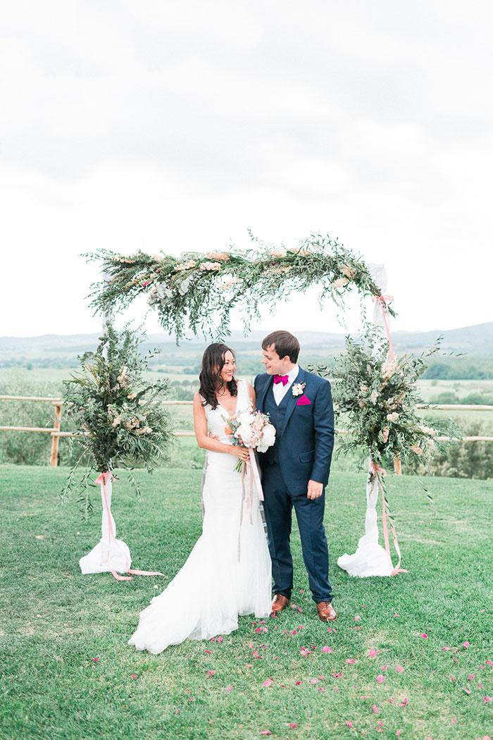 conti-san-bonifacio-tuscany-destination-coral-pink-magenta-wedding-inspiration34
