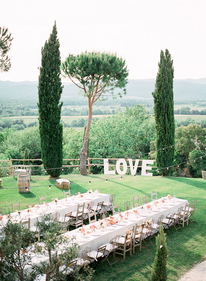 conti-san-bonifacio-tuscany-destination-coral-pink-magenta-wedding-inspiration53