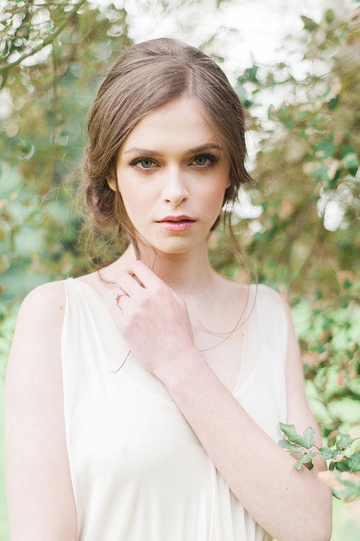 flourish-fragile-elegant-organic-romatic-dusty-blue-european-wedding-inspiration-shoot12