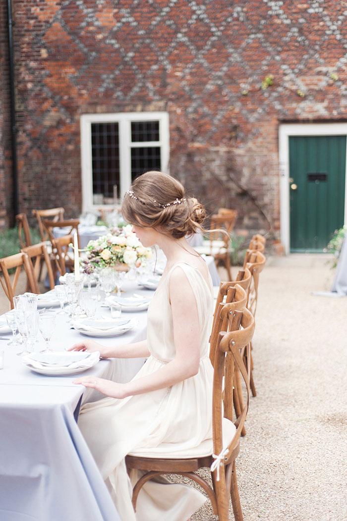 flourish-fragile-elegant-organic-romatic-dusty-blue-european-wedding-inspiration-shoot19