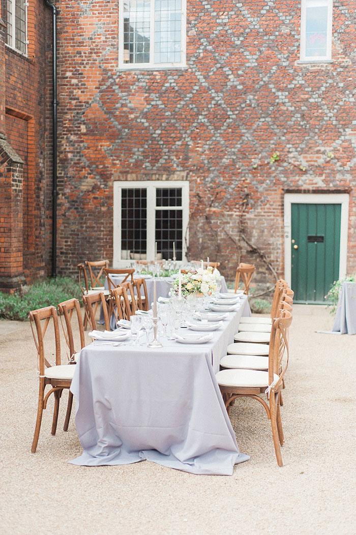 flourish-fragile-elegant-organic-romatic-dusty-blue-european-wedding-inspiration-shoot24