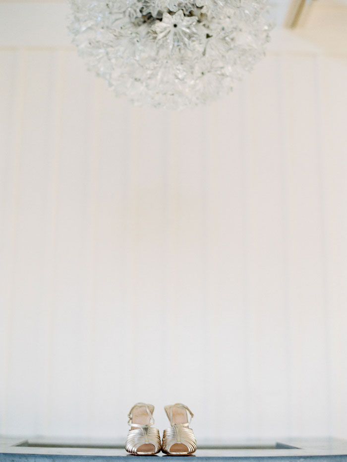 fresh-timeless-bright-airy-dahliah-wedding-inspiration-shoot18