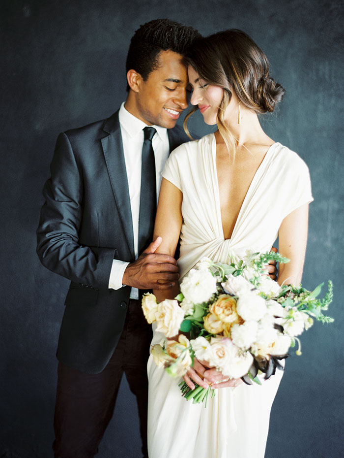 modern-ocher-lush-moody-floral-wedding-inspiration12