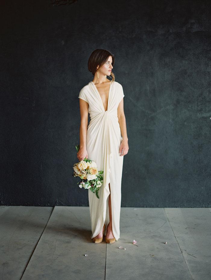 modern-ocher-lush-moody-floral-wedding-inspiration23