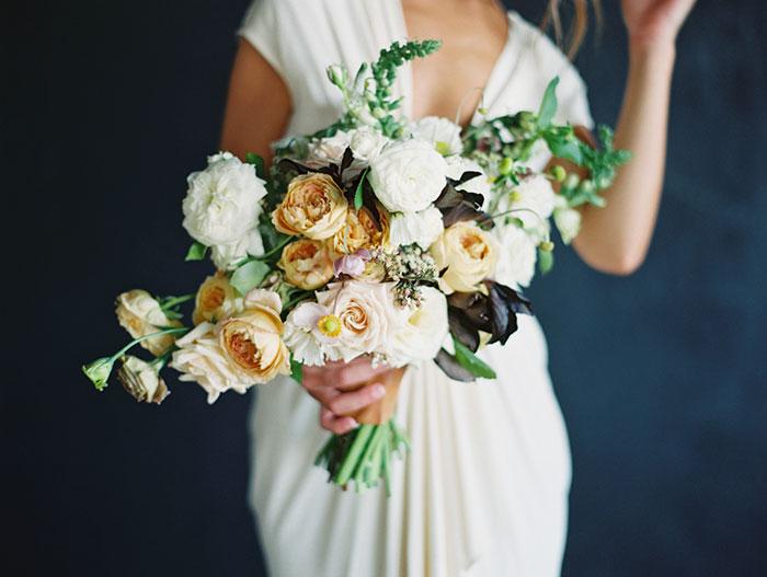 modern-ocher-lush-moody-floral-wedding-inspiration26