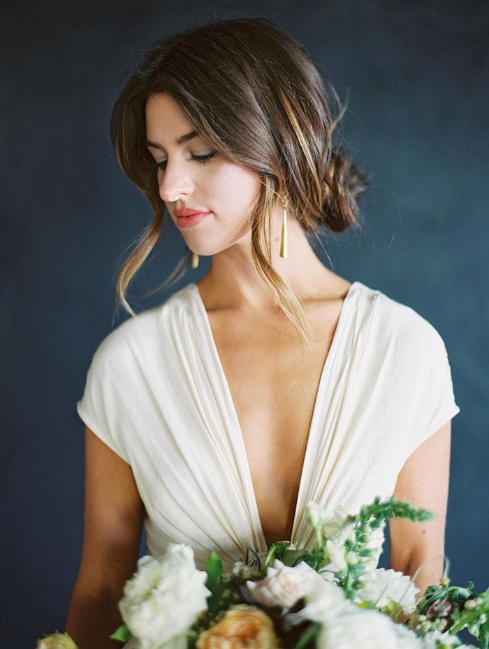 modern-ocher-lush-moody-floral-wedding-inspiration27