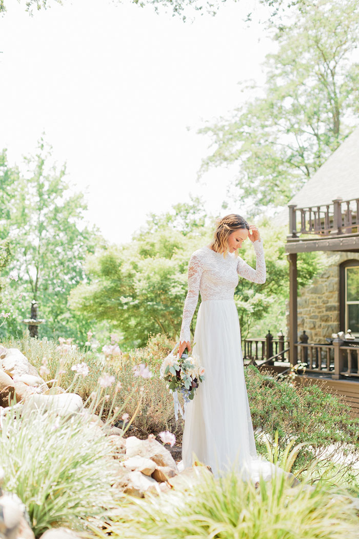 rustic-organic-boho-vineyard-wedding-inspiration-shoot17