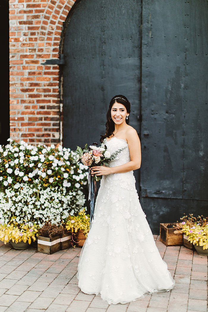 the-liberty-warehouse-new-york-industrial-romantic-moody-wedding-inspiration10