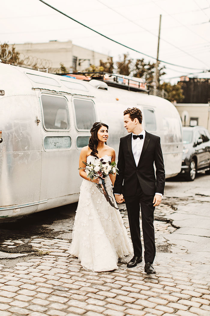 the-liberty-warehouse-new-york-industrial-romantic-moody-wedding-inspiration14
