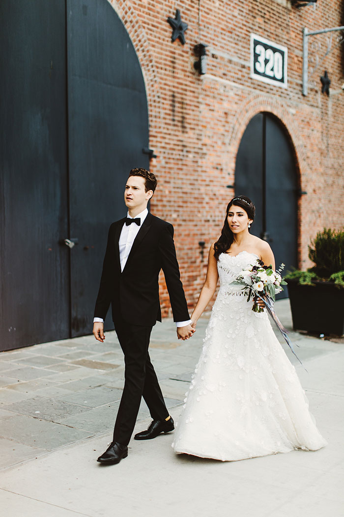 the-liberty-warehouse-new-york-industrial-romantic-moody-wedding-inspiration24