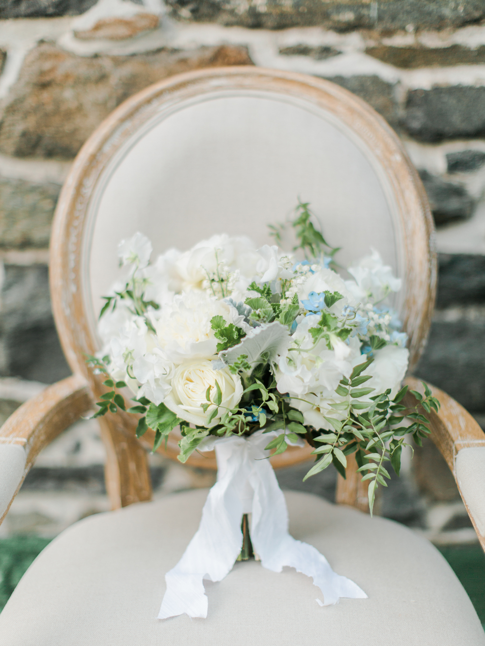 Kara and Jon\'s spring wedding Maryland | Best Wedding Blog